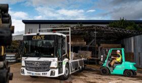 Mercedes Econic - Scaffolding Truck