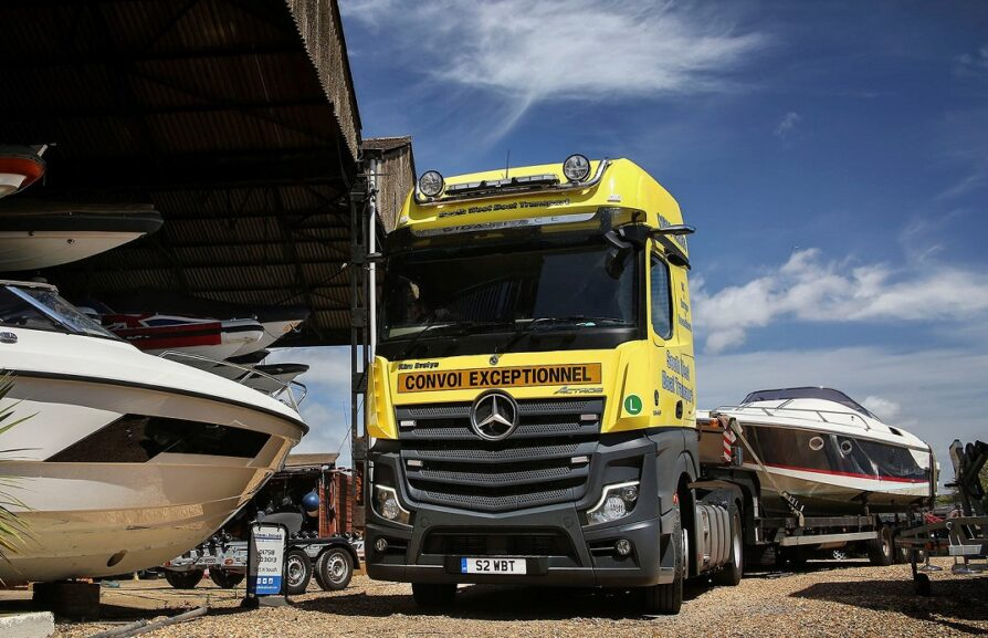 Actros boat carrier