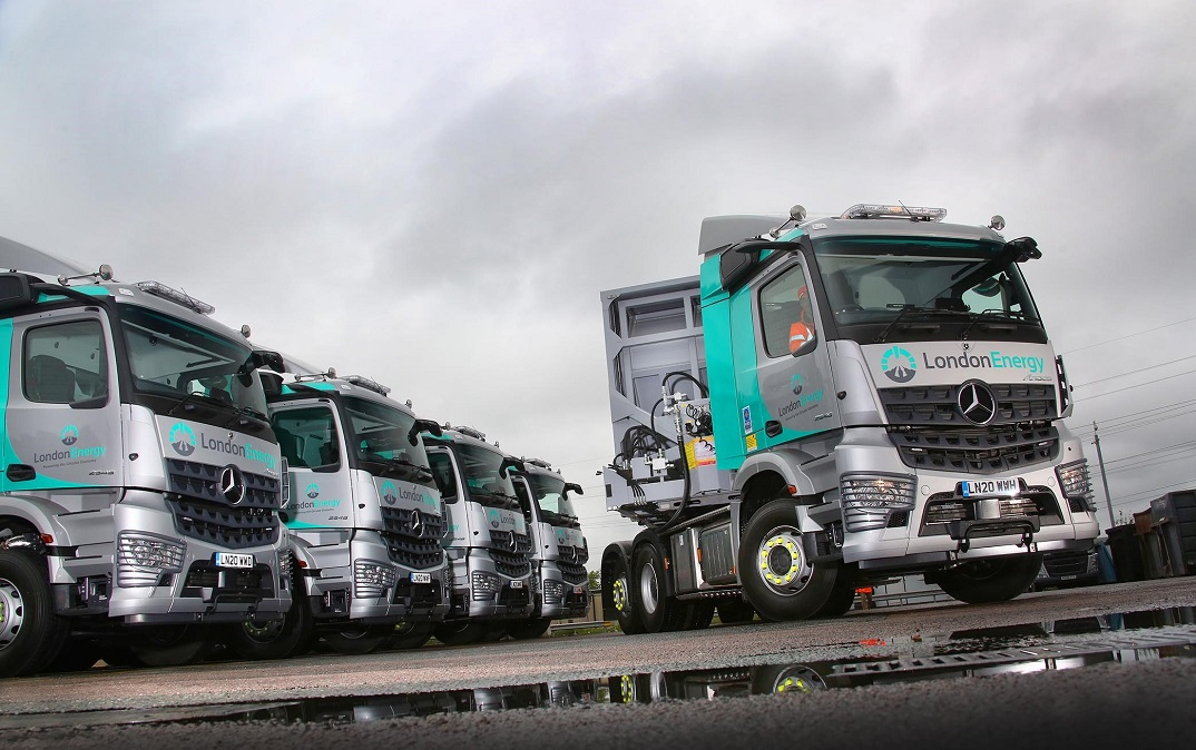 Mercedes Arocs tractor units with MirrorCam