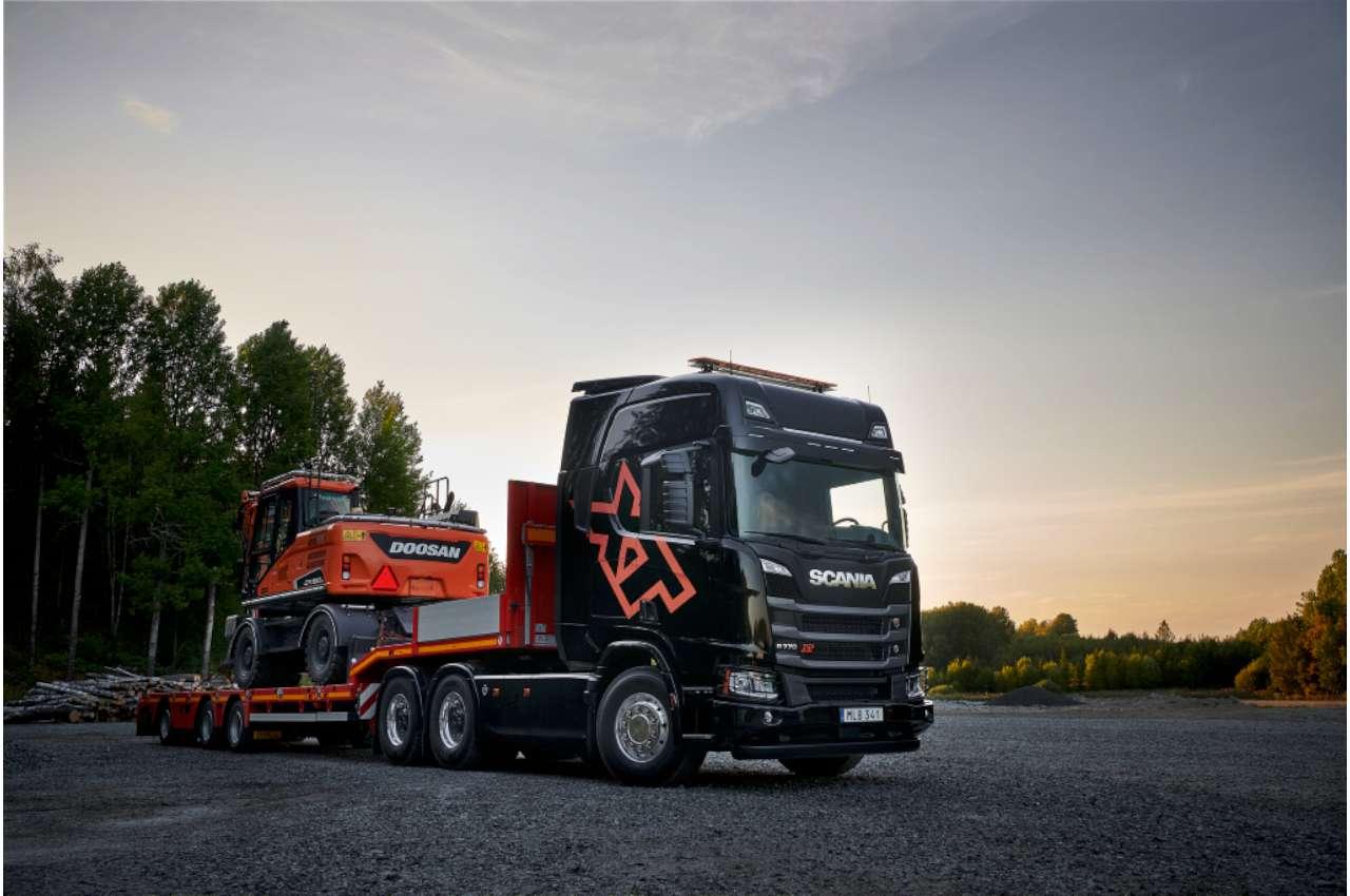 Scania XT with V8