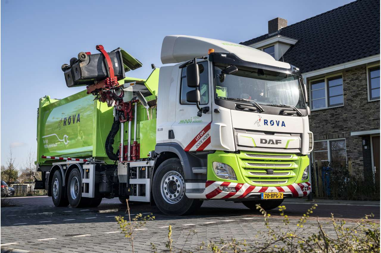 DAF CF Electric Refuse Truck working in the Netherlands