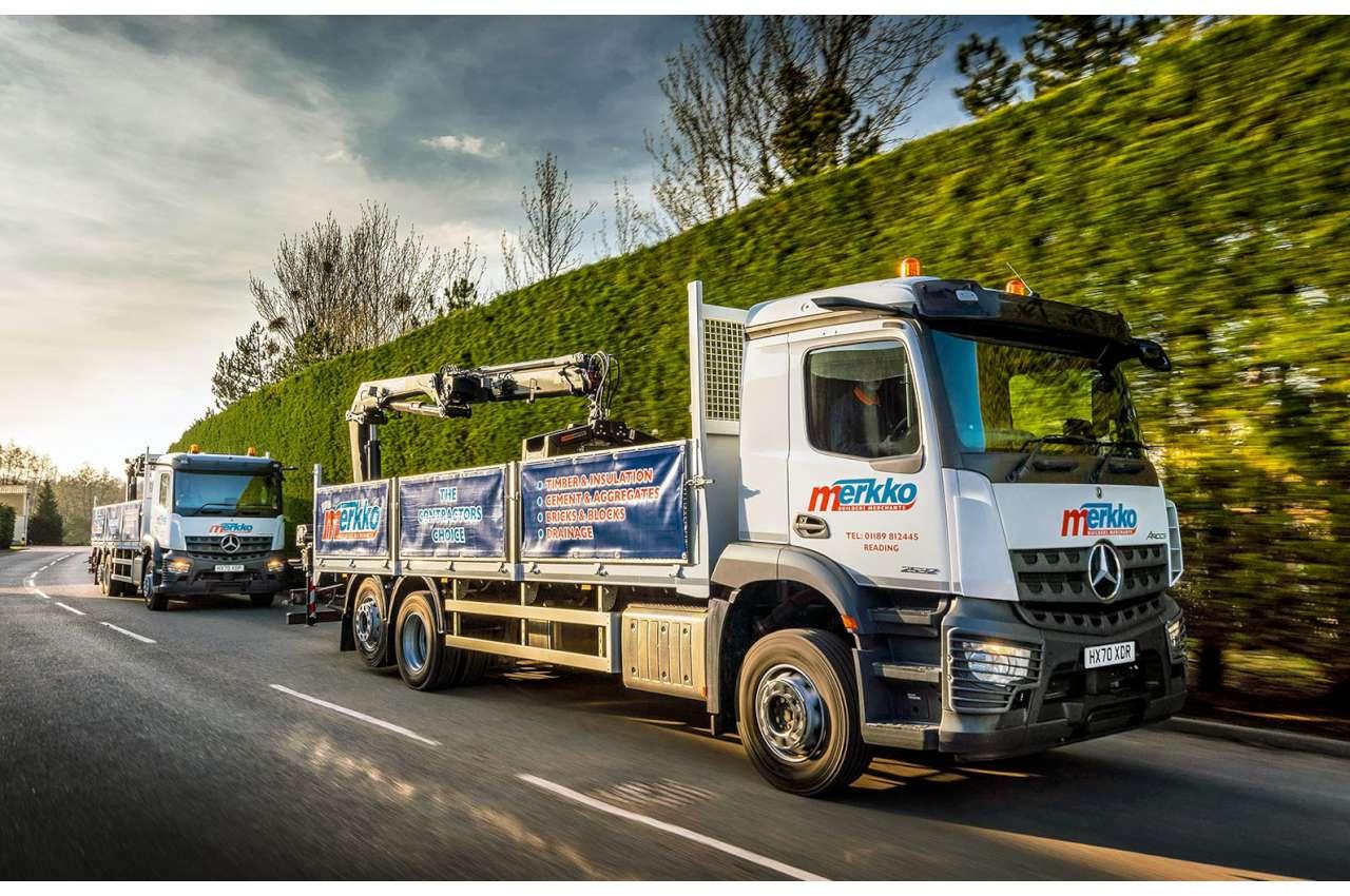 Mercedes Arocs Crane Truck 2532L